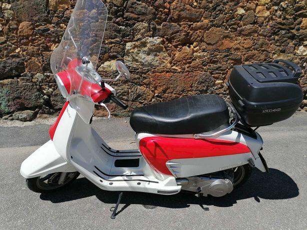 Moto 125cc Design Italiano