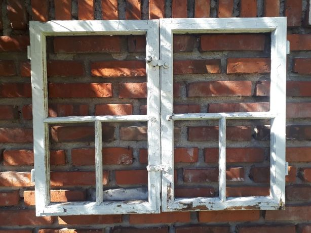 Stare drewniane okno szprosy vintage