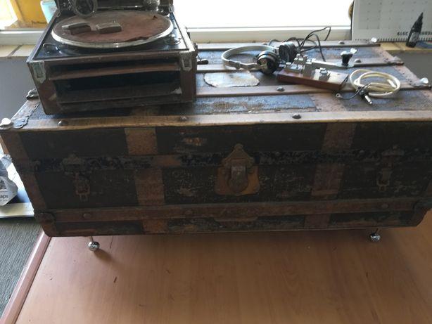 Gramophone colombia/aparelho Morse Walter antigo/ cofre antigo