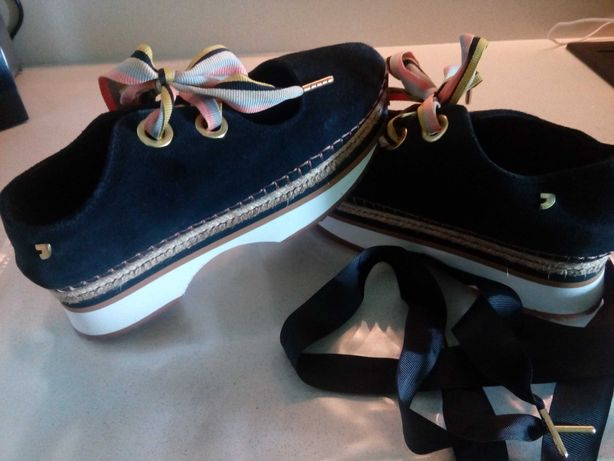 Ténis/sapato marca Gioseppo