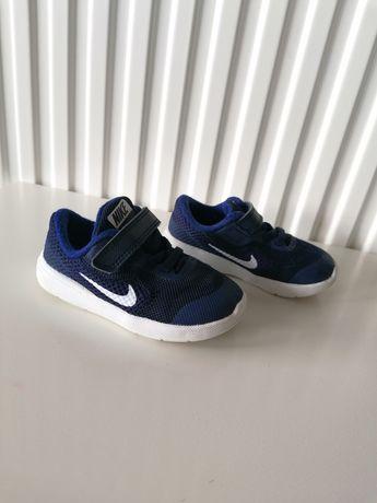 Buty Nike Revolution 3 granatowe chłopiec 22 14 cm