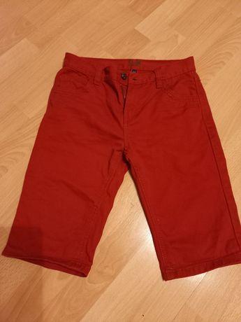 Spodenki krótkie czerwone 146
