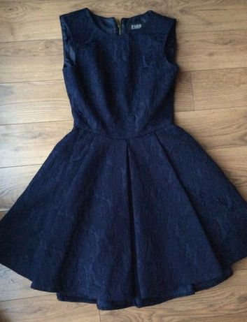 Sukienka rozkoszowana wzory haft xs zamek