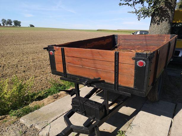 Przyczepa hydrauliczna do traktora