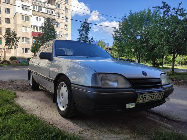 Автомобиль Opel Omega 1987