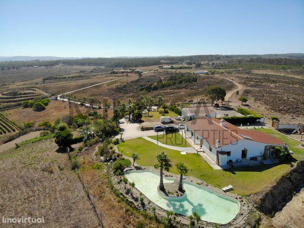 Moradia T4 com 4 hectares de terreno, Vale da Telha, Aljezur