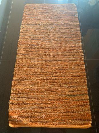 Tapetes  tijolo com cabedal castanho e beje