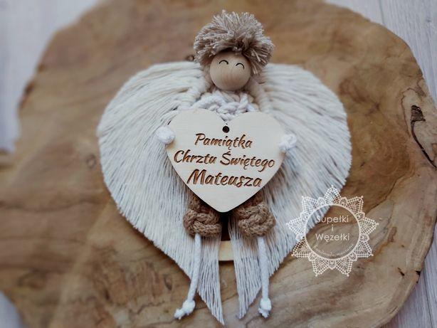 Pamiątka Chrztu Świętego - anioł chłopiec, 100% handmade, makrama.