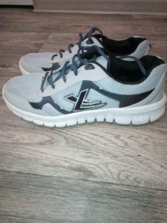 Обувь для подростков в отличном состоянии