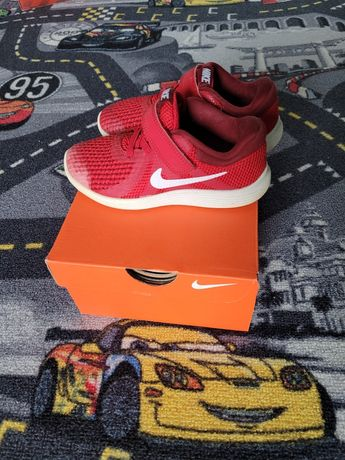Adidasy Nike r.27