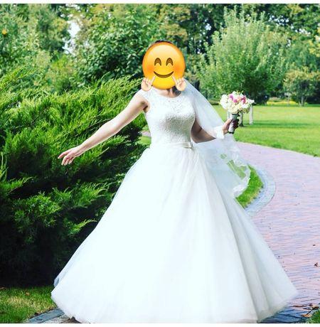 Свадебное платье, весільна сукня    Аренда платья
