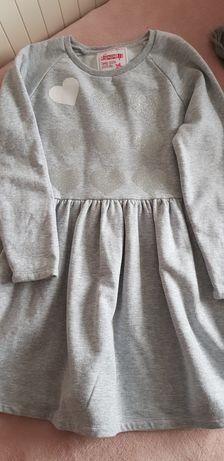 Sukienka dresowa szara serduszka brokat rozm. 146cm