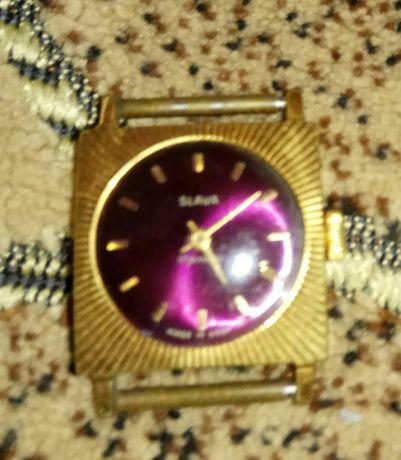 Продам часы в позолоте.