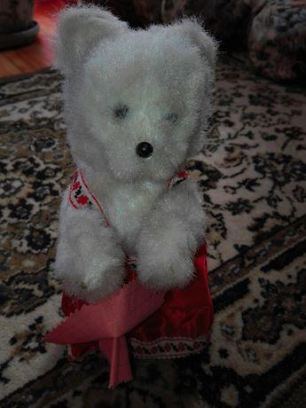 Іграшка ведмедиця