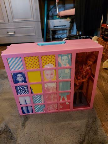 Szafa barbie plus 3.lalki