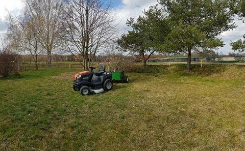 Koszenie trawy /Usługi mini traktorkiem / pielęgnacja ogrodów