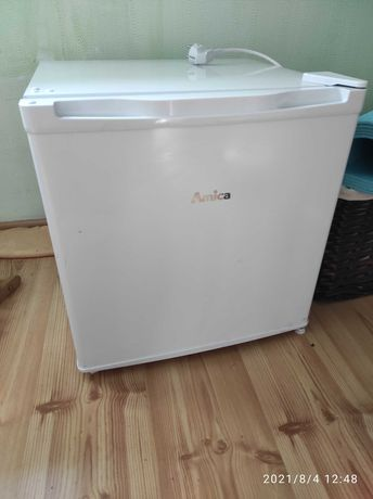 Chłodziarka lodówka Amica Fm050.4 mała