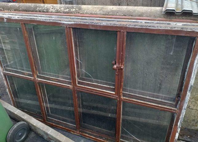 Okno metalowe   .