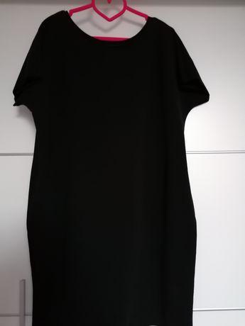 Czarna sukienka dzianinowa tuba na krótki rękaw