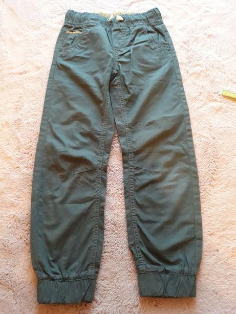 Cienkie spodnie chłopięce, rozm. 134, coolclub
