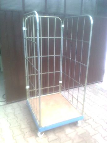 Pojemnik  na kółkach (transportowy) nieużywany