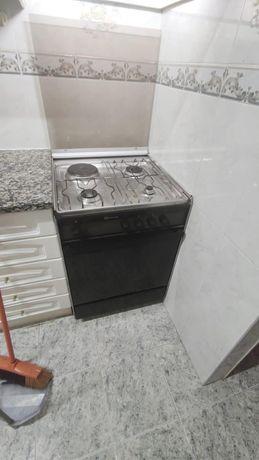 Fogão c/ forno elétrico - Bauknecht