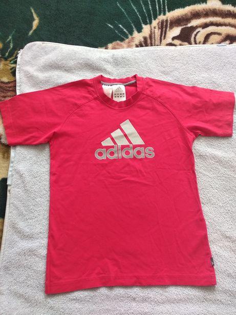 Футболка Adidas .