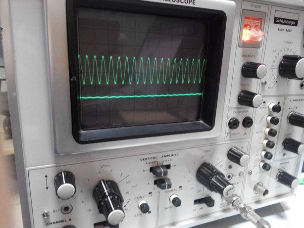 Продам осциллограф двухканальный 25 мГц на канал.Schlumberger CRC 5043
