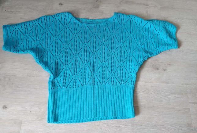 Sweterek, narzutka niebieska ażurkowa
