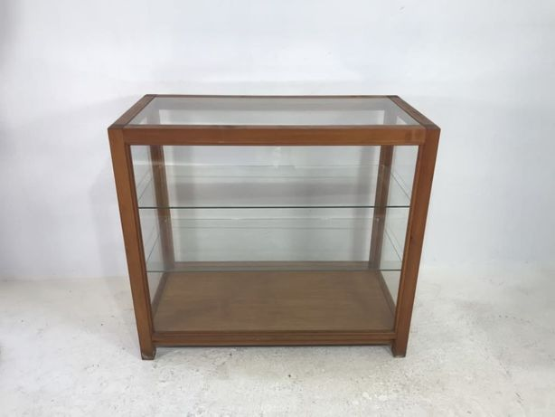 Expositor vitrine em madeira