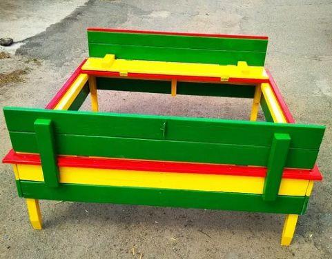 Детская песочница с крышкой-скамейкой