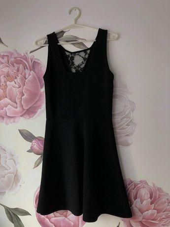 Prześliczna czarna sukienka rozmiar M