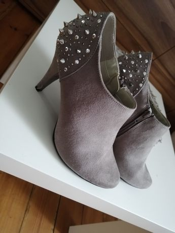 Buty Graceland nowe, na szpileczce
