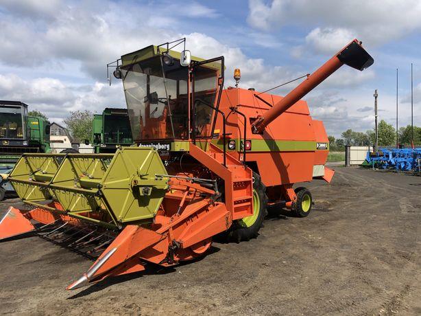 Комбайн зернозбиральний майже новий Dronninborg D3000 Hydro
