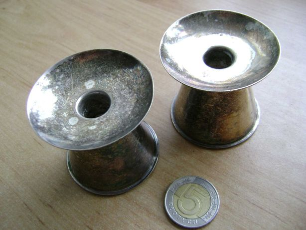 Starocie z PRL - Stare naczynia = 2 świeczniki posrebrzane małe