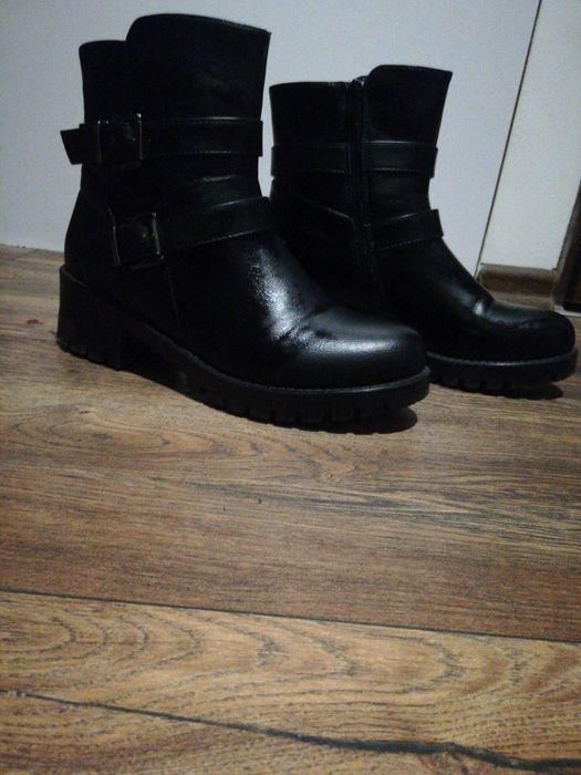 Damskie czarne buty Bytom - image 1