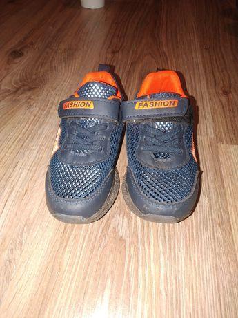Летние детские кроссовки 27 размера сетка