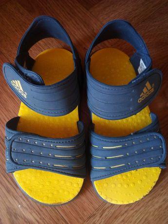 Босоніжки adidas