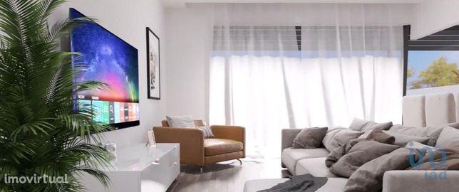 Apartamento - 95 m² - T2