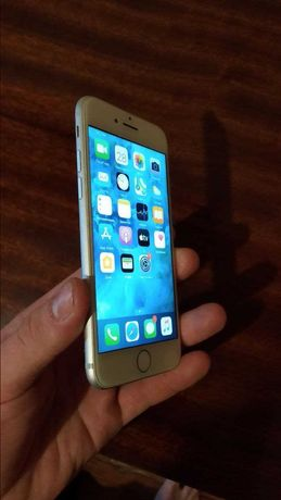 IPhone  IPhone 7/32gb  В отличном состоянии + подарок к IPhone