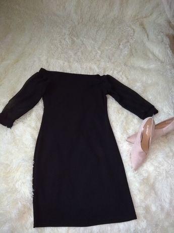 Сукня чорного кольору