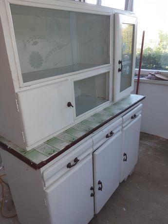 Stary kredens kuchenny do renowacji