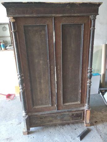 Stara szafa do renowacji
