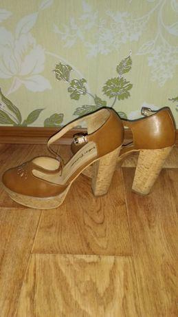 Модные туфли 40 р