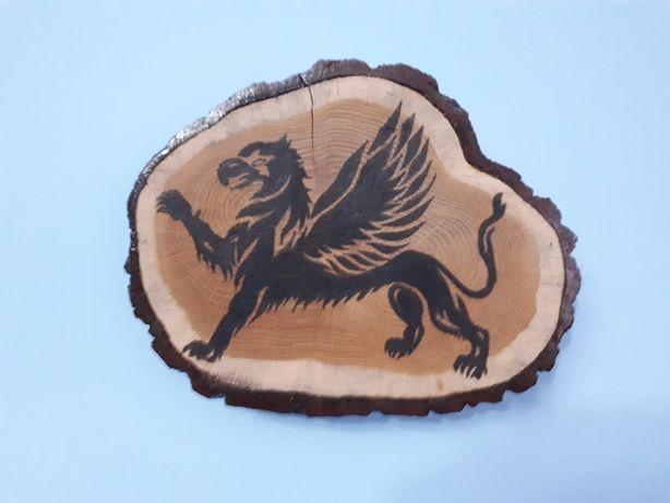 Gryff-pirogtafia drewniana