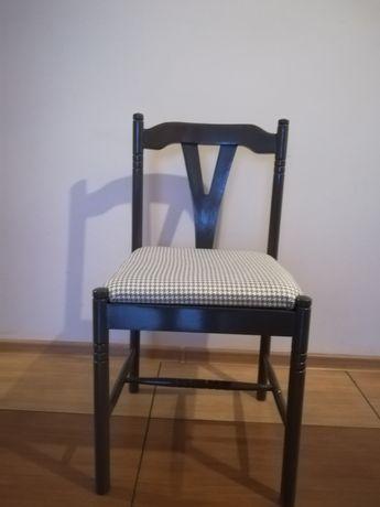 4 krzesła drewniane po renowacji wys83 szer43 wys do siedziska 45 wym