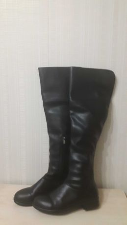 Черные ботфорты. 40 размер,