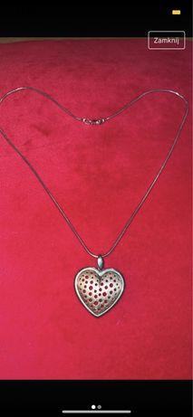 Lancuszek srebrny z pozlacanym serduszkiem