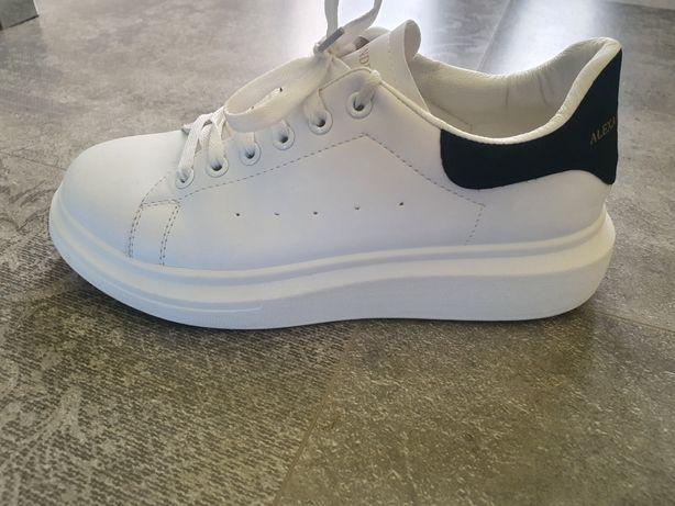 Buty sneakersy biale McQueen