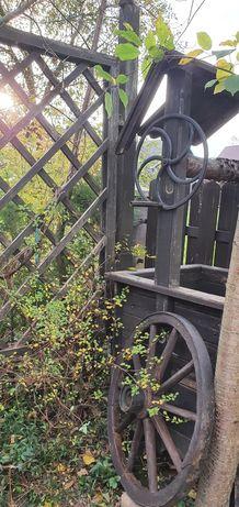 Zabytkowe koło drewniane z okuciem metalowym średnica 75 cm